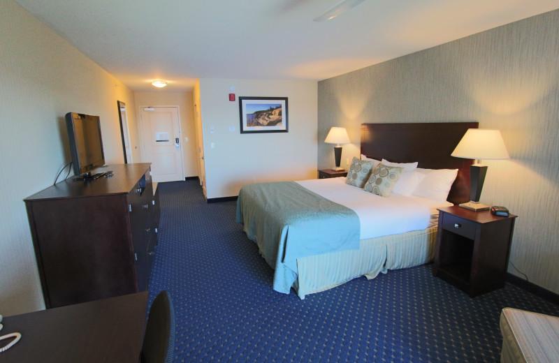 Guest room at Atlantic Oceanside Hotel & Conference Center.