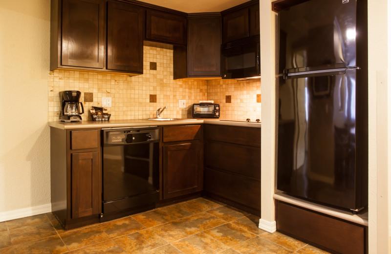 Guest kitchen at London Bridge Resort.