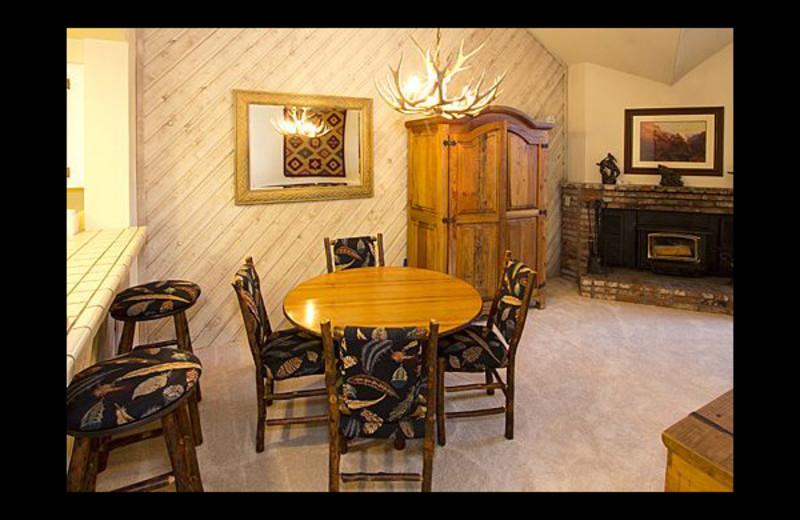 Vacation rental dining area at JetLiving.