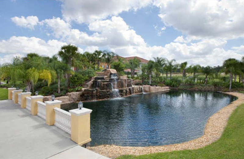 Resort fountain at Vacation Pool Homes.