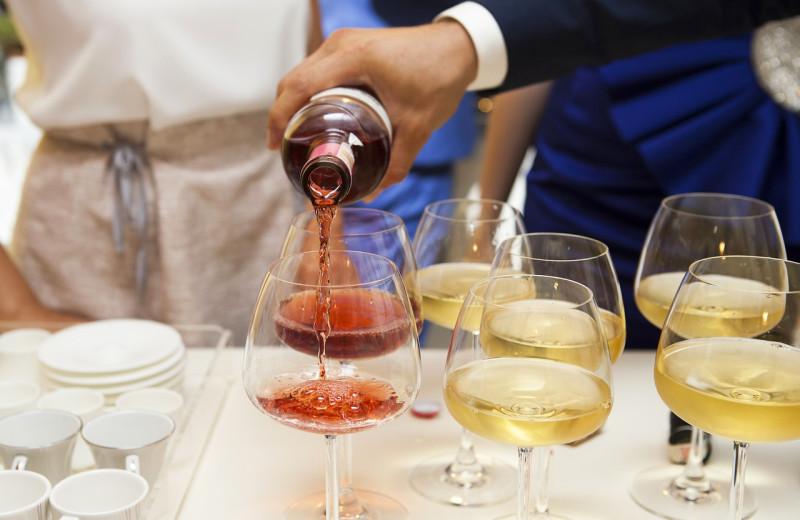 Wine tasting at Vineyard Square Hotel & Suites.