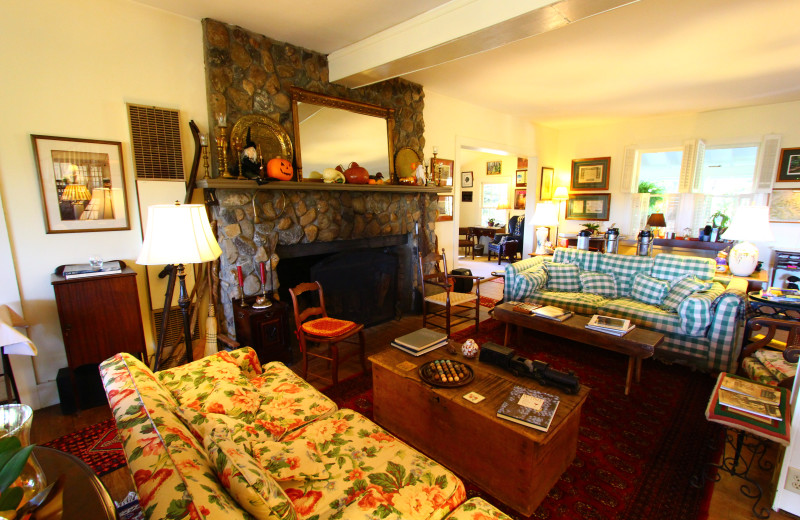 Living area at Orchard Inn and Cottages.