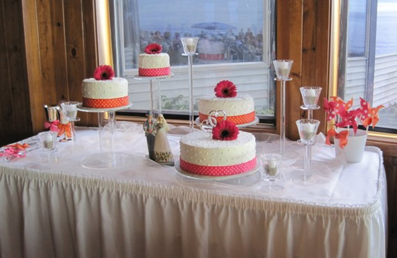 Wedding cake at Adobe Resort.