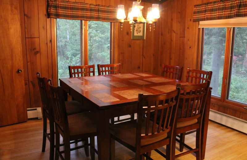 Cabin dining room at Cascade Lodge.