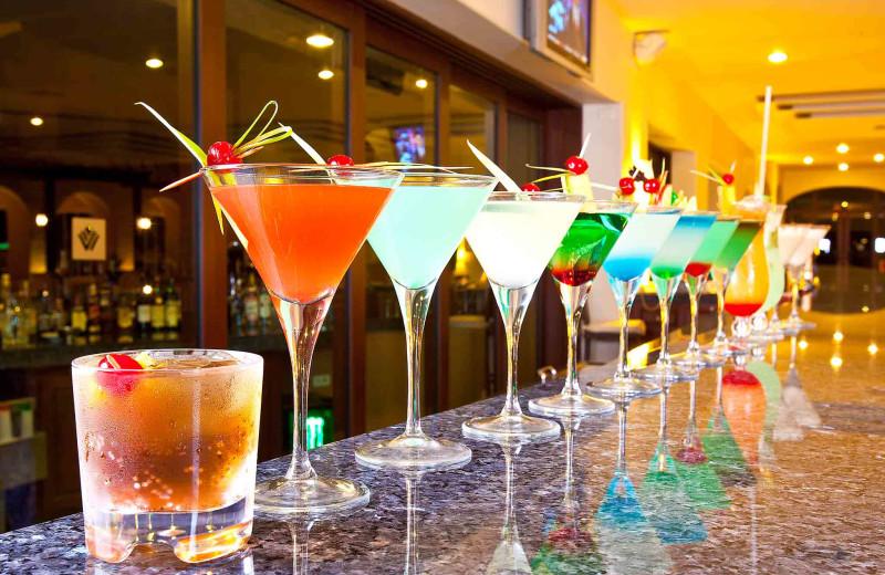 Bar at Tesoro Los Cabos.
