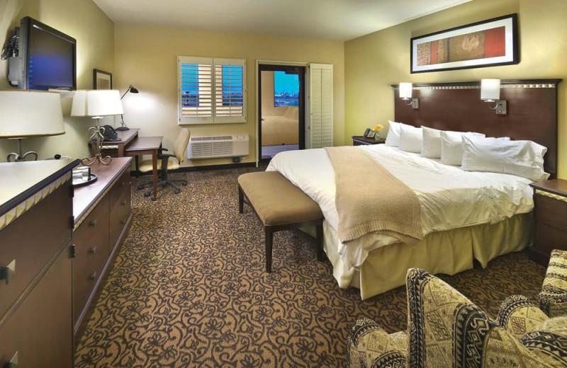 Guest room at Desert Diamond Casino.