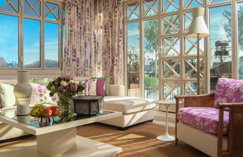 Guest room at Four Seasons - Milan.