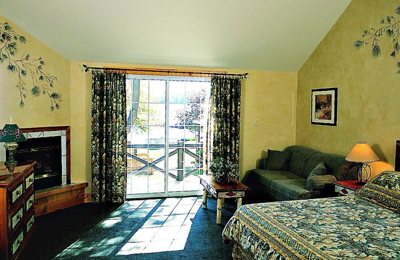 Guest room at Severn Lodge.