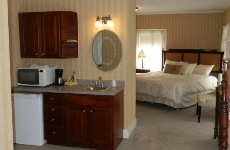 Guest room at Oxen Yoke Inn.