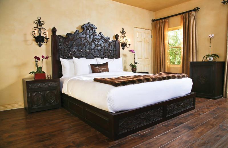 Guest room at La Casa del Camino.