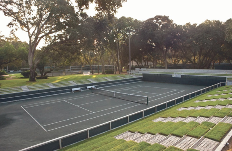 Tennis court at The Villas of Amelia Island Plantation.