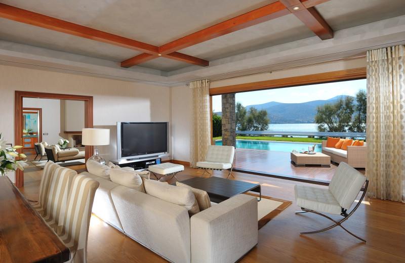 Guest room at Grand Resort Lagonissi.