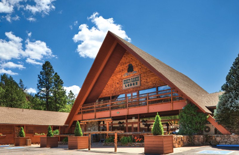 Exterior view of Kohl's Ranch Lodge.