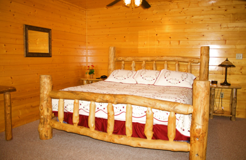 Guest Room at Cobbly Nob Rentals.