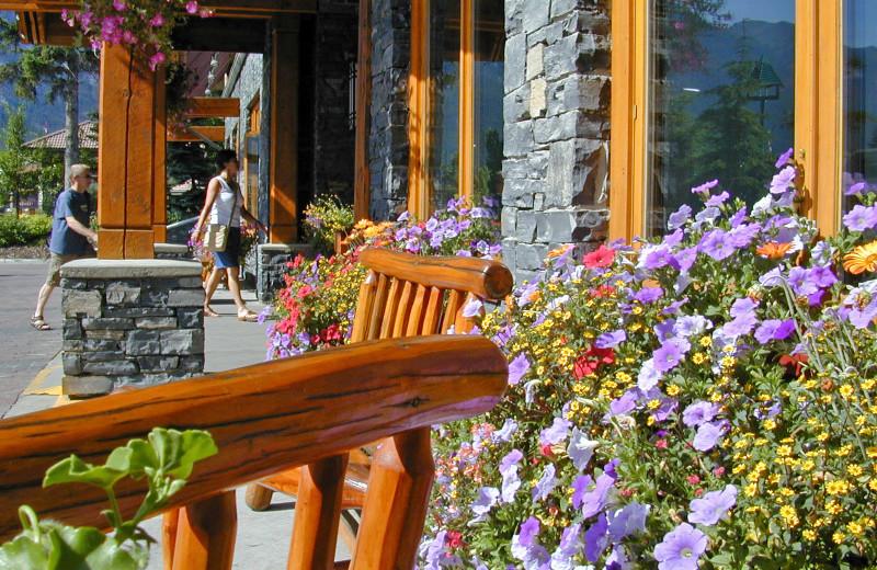 Exterior porch view at Banff Ptarmigan Inn.