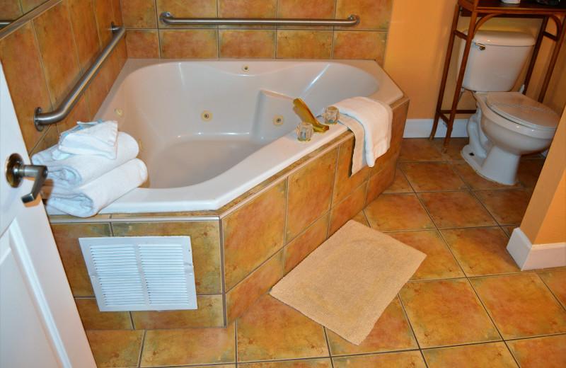 Guest bathroom at Fountain Beach Resort.