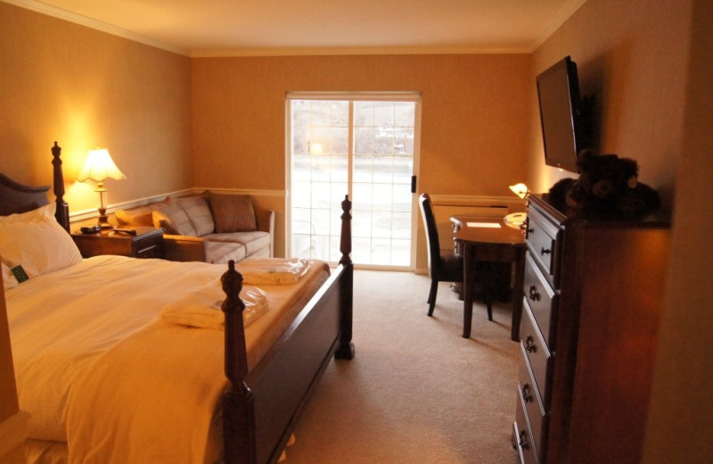 One king bed, pull out sofa bed, work station, river view, 2nd floor at South Thompson Inn & Conference Centre.
