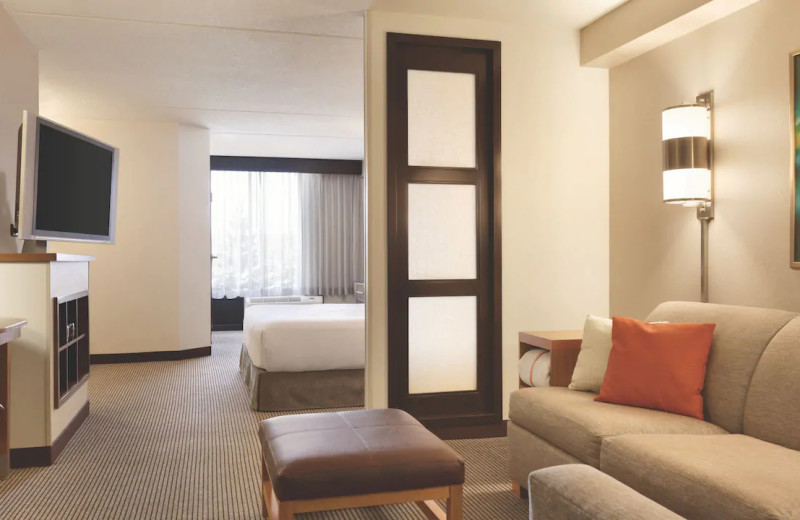 Guest room at Hyatt Place Chicago/Lombard/Oak Brook.