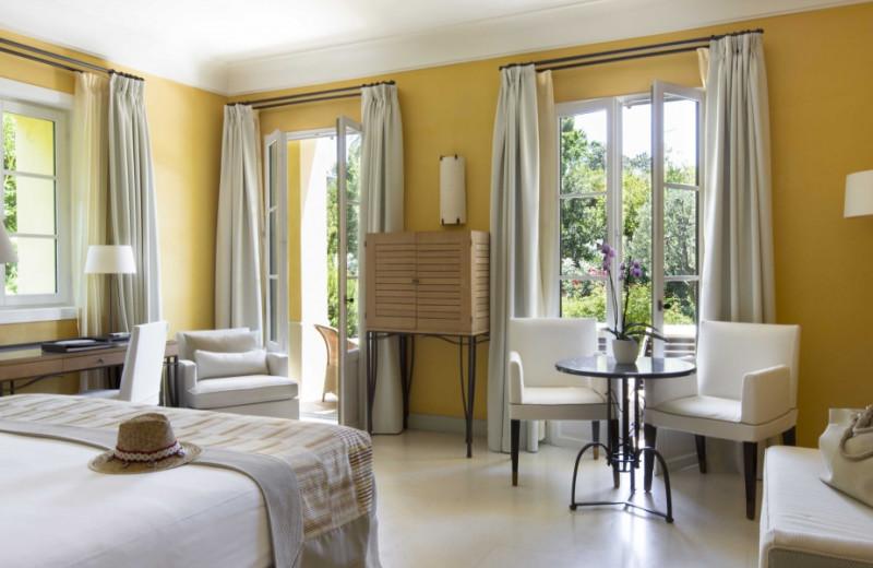 Guest room at Hotel Royal Riviera.