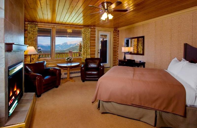 Mountain View Room at Overlander Mountain Lodge