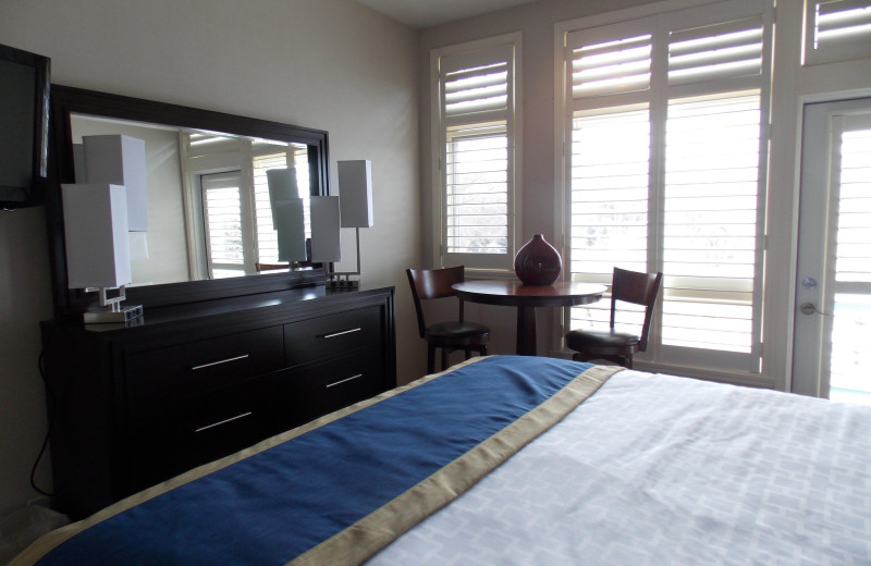 Guest bedroom at Fairway Suites.