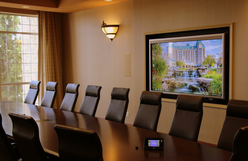 Meeting room at Chateau on the Lake.