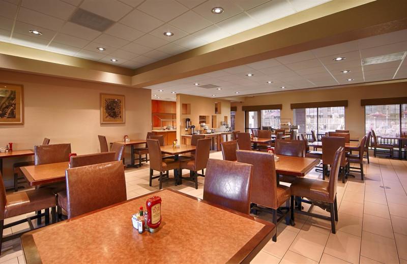 Dining at Best Western Plus Scottsdale Thunderbird Suites.