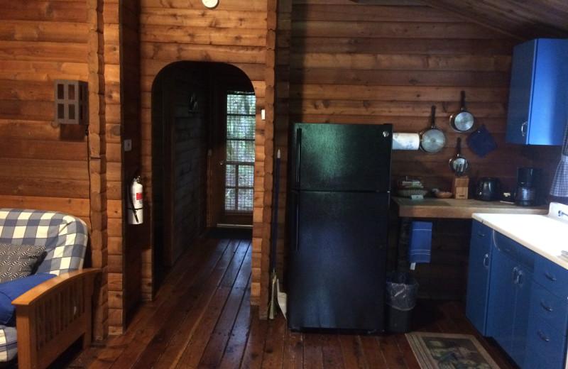 Cabin 3 - Kitchen/hallway