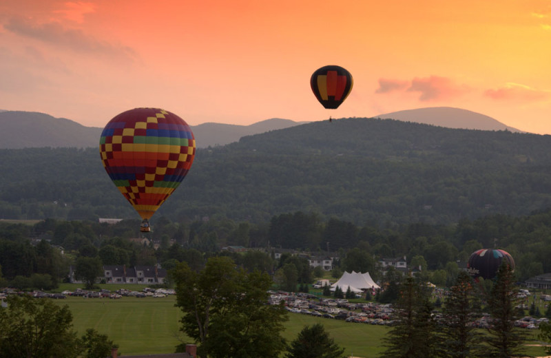 Hot air balloons at Stoweflake Mountain Resort & Spa.
