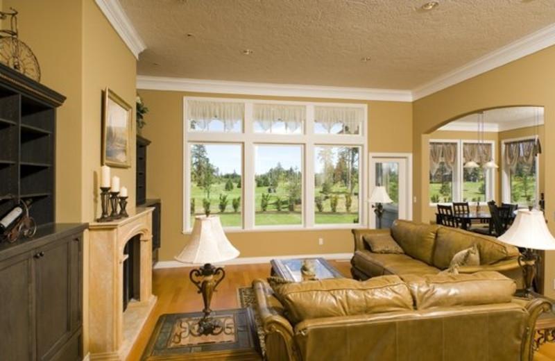Living room at Crown Isle Resort & Golf Community.