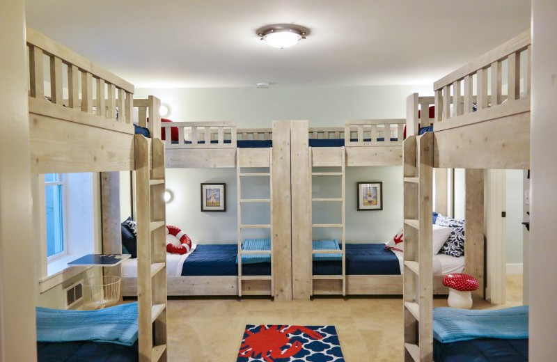 Rental bunk beds at Seabrook Cottage Rentals.