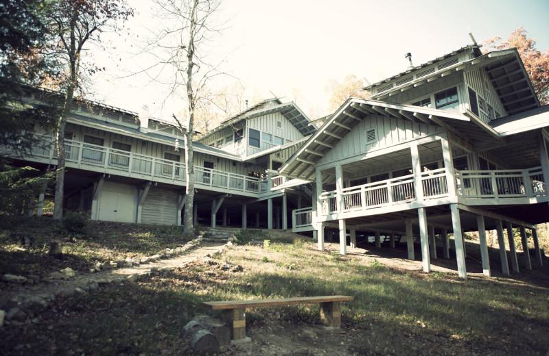 Exterior view of Hike Inn at Amicalola Falls.