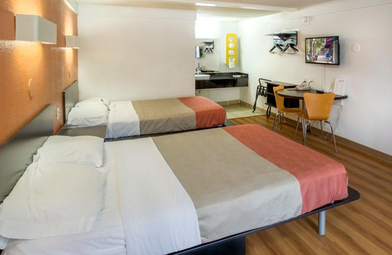 Guset room at Motel 6 - Benton Harbor.