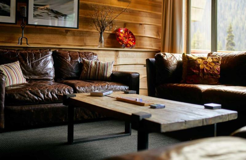 Lounge at Bugaboos Lodge.