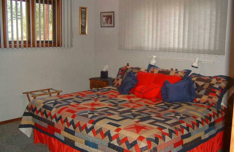 Guest room at Mountain Vista Bed & Breakfast.