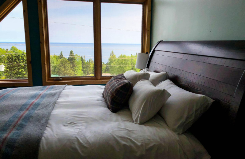 Guest bedroom at Cascade Lodge.