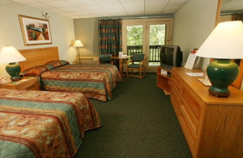 Guest room at Carter Caves State Resort Park.