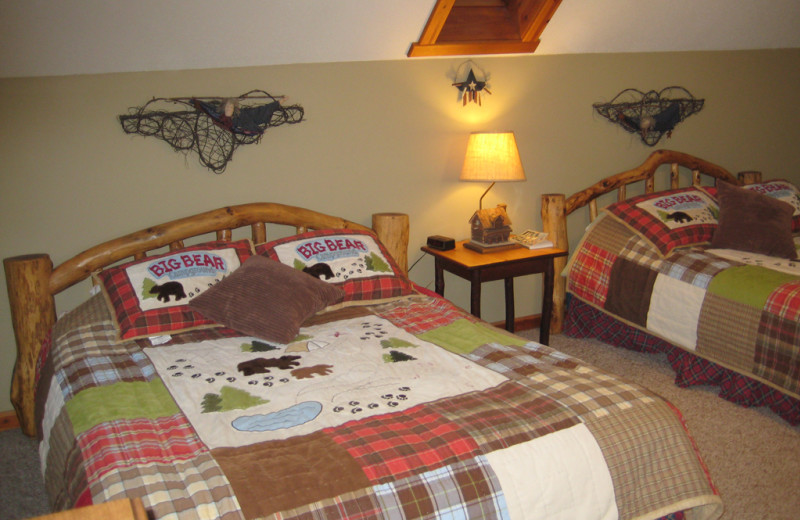 Guest bedroom at Totagatic Lodge.