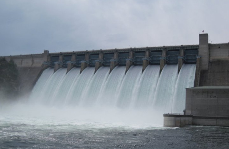Table Rock Dam near The Village At Indian Point.