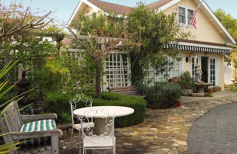 Exterior view of Chelsea Garden Inn.