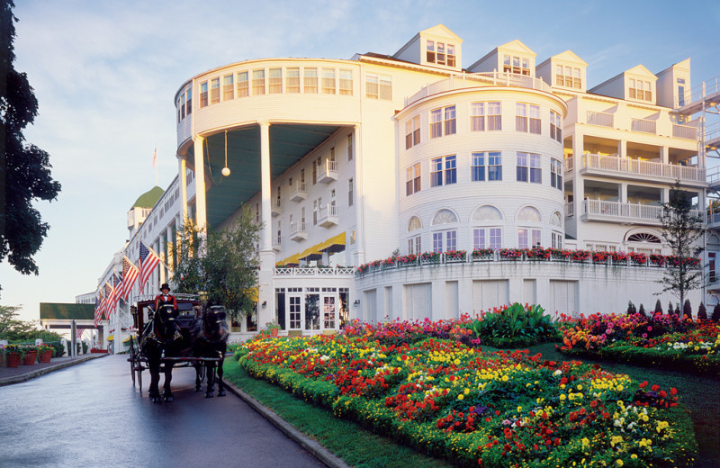 Horse carriage entrance at Grand Hotel.