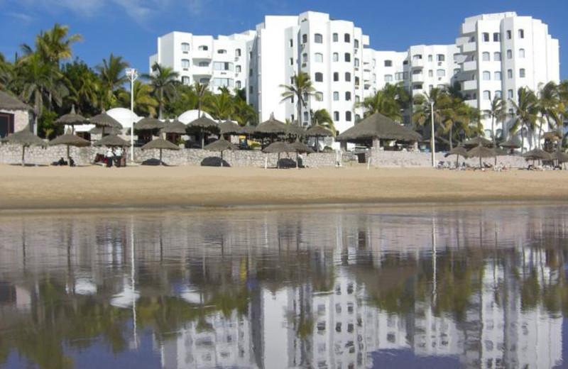 Exterior view of Los Sabalos Mazatlan Hotel.