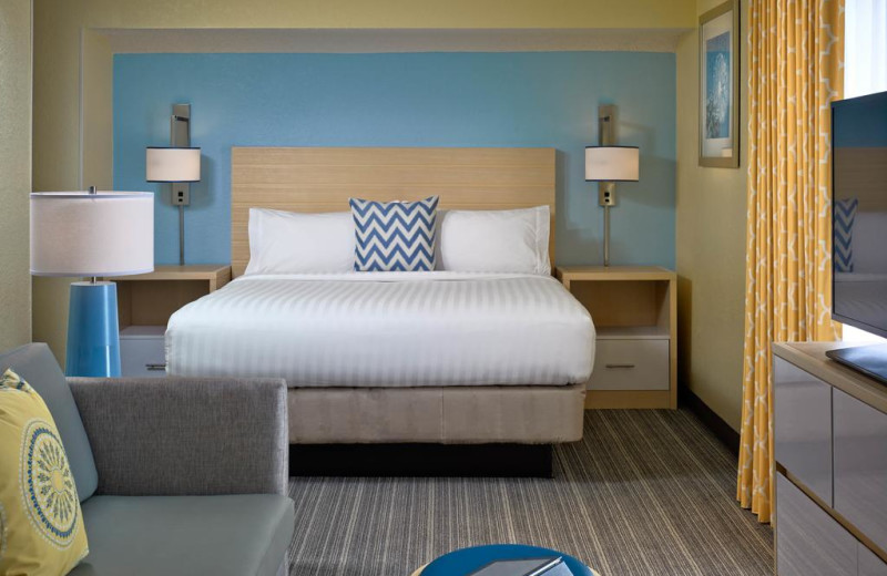 Guest room at Sonesta ES Suites Tucson.
