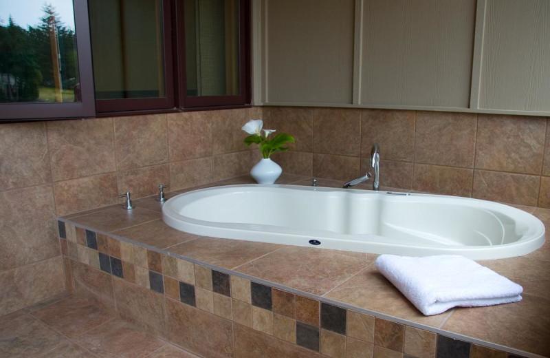 Villa hot tub at Galiano Oceanfront Inn and Spa.