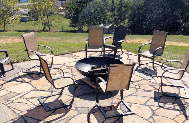 Fire pit at Mayneview Bed