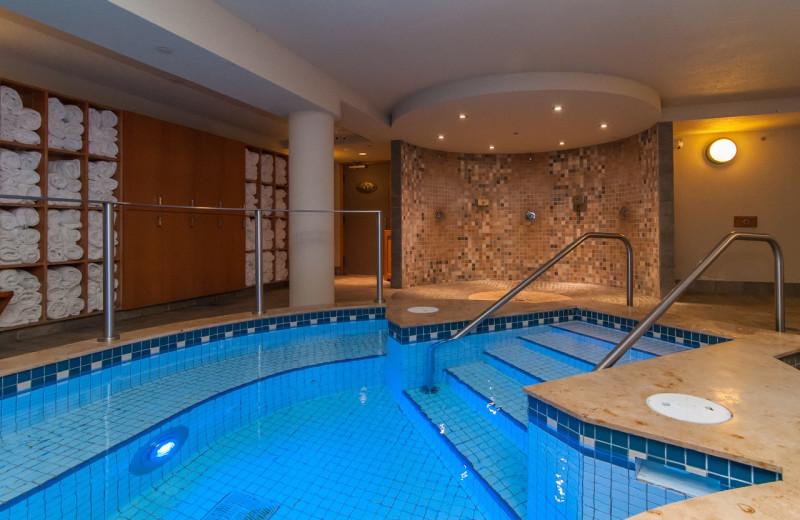 Spa pool at Banff Caribou Lodge & Spa.