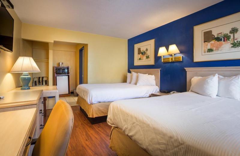 Guest room at Aqua Breeze Inn.