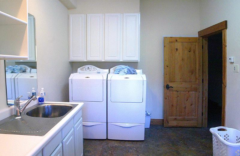 Laundry room at Bridger Vista Lodge.