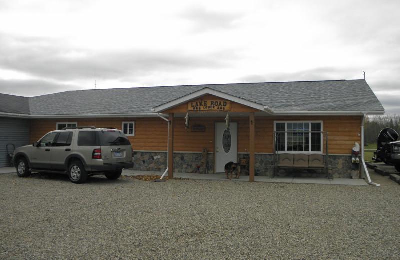 Exterior view of Lakeroad Lodge.