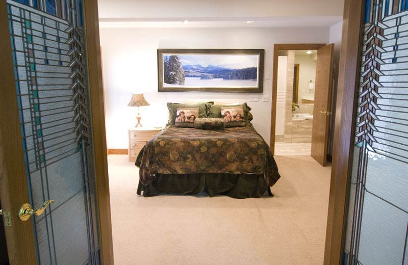 Bedroom at 706A Forest Road - Vail Management Company.